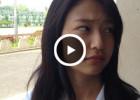 【女子高生エロVine】学校内で可愛いJKが同級生の女子からスカートを捲くられて太ももを晒されてる動画www